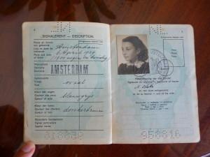 Pasaporte Nanette (1)
